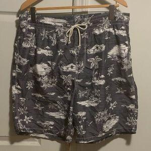 Old Navy Men's XL Swim Trunks Grey Tropical Print